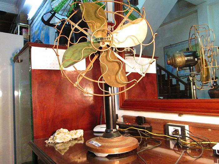 1910 - Italian Marelii Oscillating Antique Desk fan