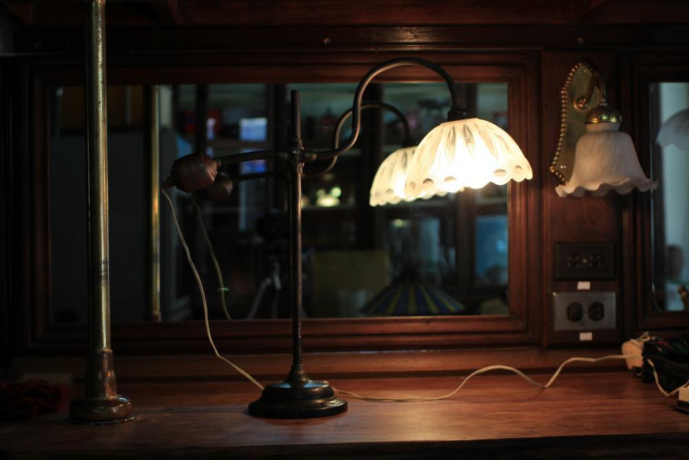 Antique Original W.A.S Bension Art Nouvear Table Lamp Milk glass